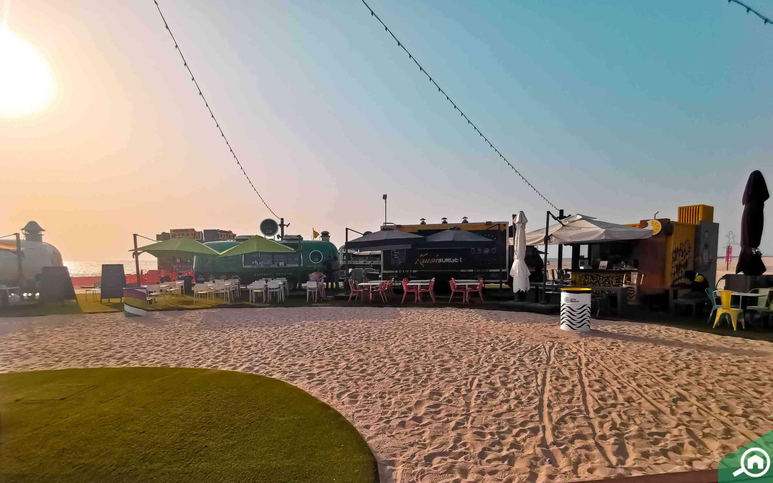 restaurants in beach
