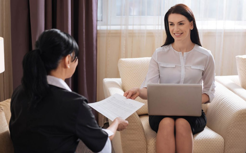 Woman interviewing a nanny required in Abu Dhabi