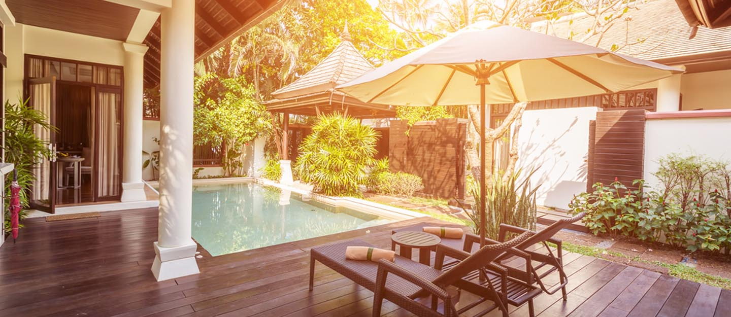 Hotels in Ras Al Khaimah with a private pool, umbrellas, trees and loungers