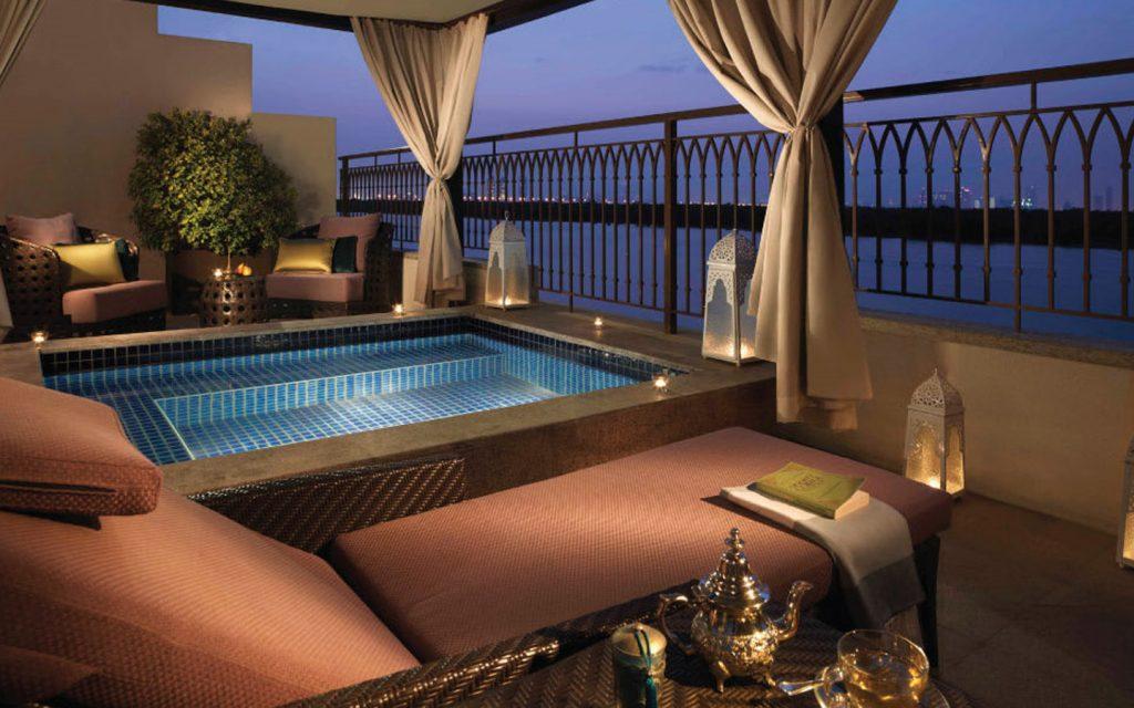 swimming pool in Anantara Eastern Mangroves hotel