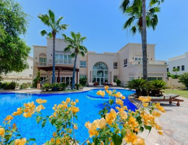 Bayut's House-of-the-Week--45-Million-Extravagant-Villa-in-Emirates-Hills