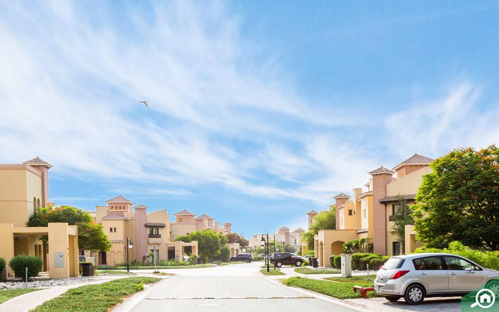 Street view of villas in Mirdif