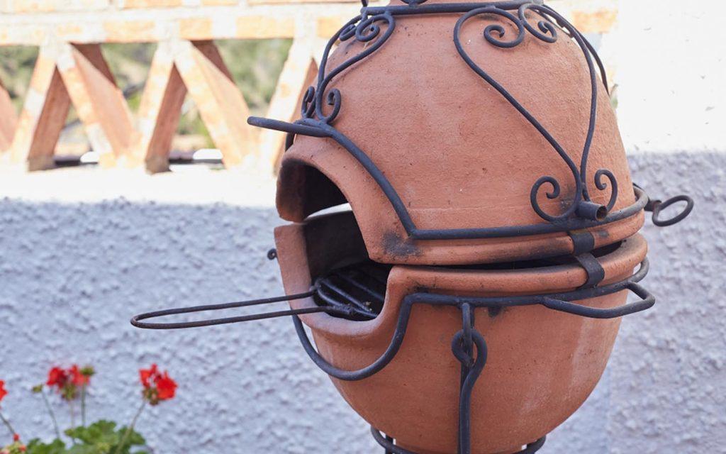 A handy clay pot grill