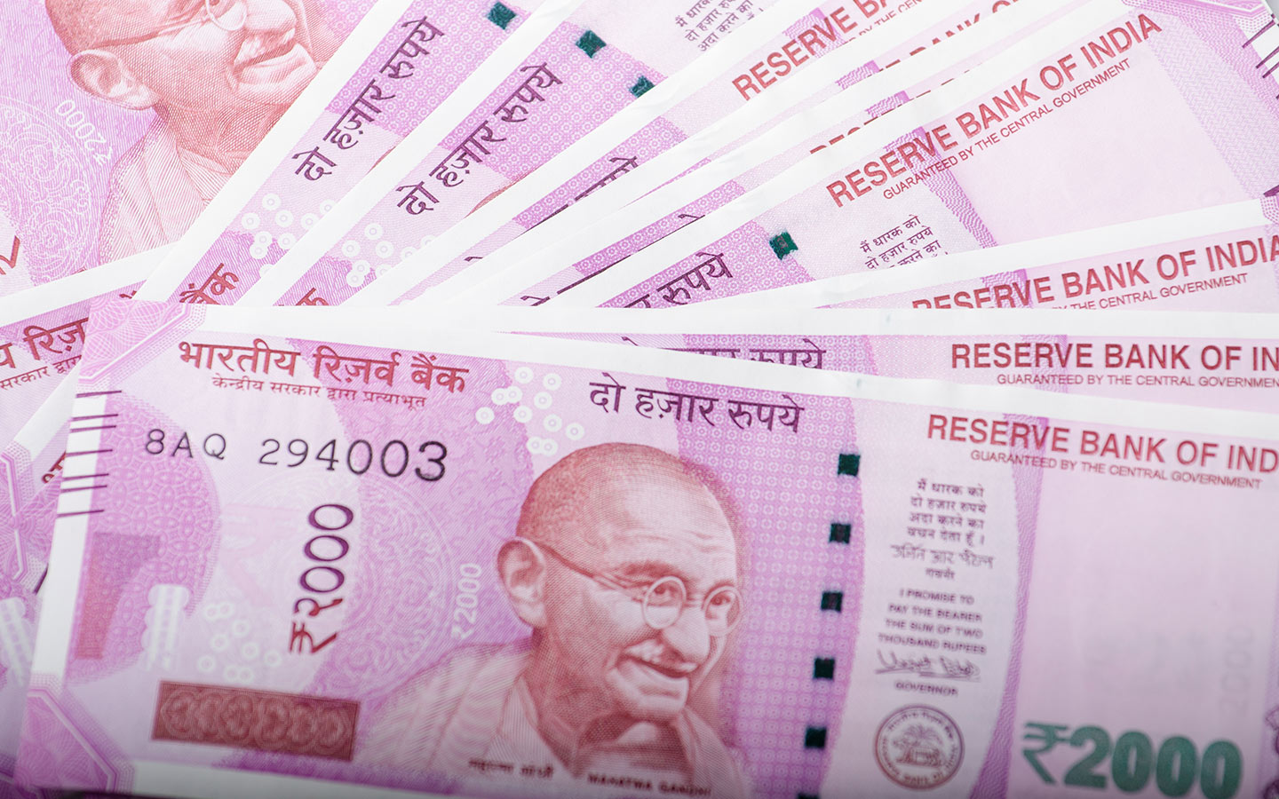 INR 2000 notes spread out
