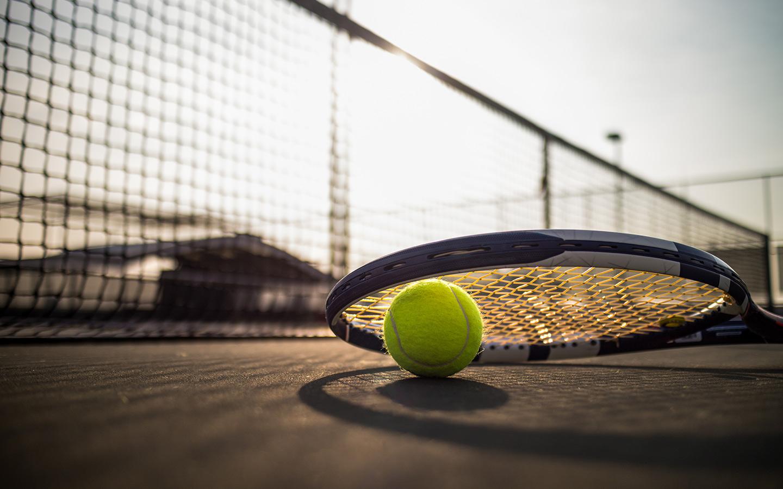 ملعب تنس