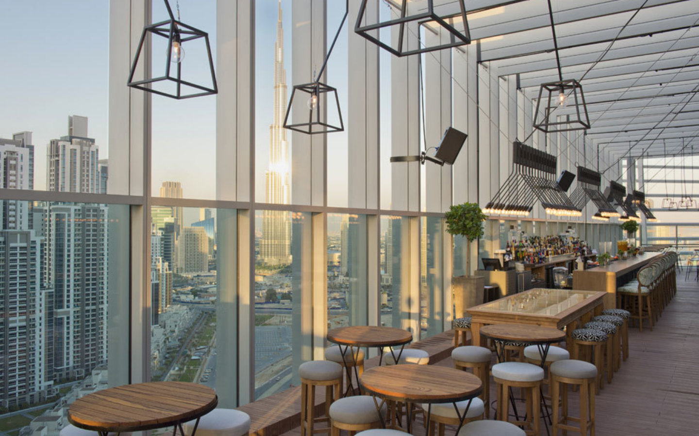 Rooftop Restaurant in Dubai With View of Burj Khalifa
