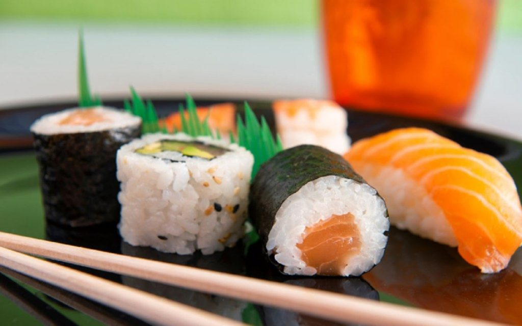 Many Japanese restaurants in Dubai serve sushi