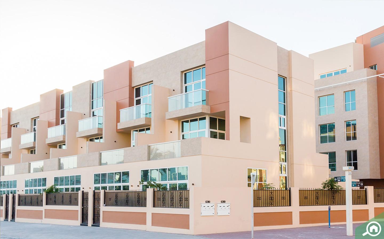 Renting townhouses in Dubai JVC