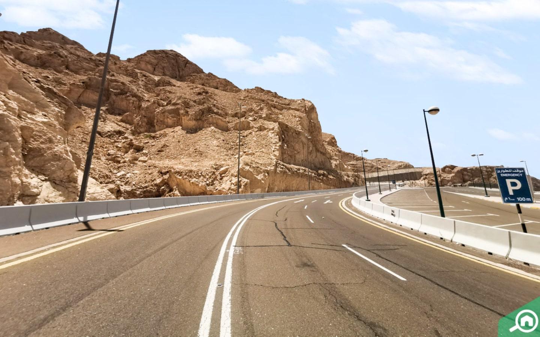 Road leading up to peak ofJebel Hafeet