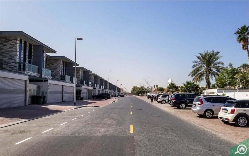 street view of villas in Jumeirah 1
