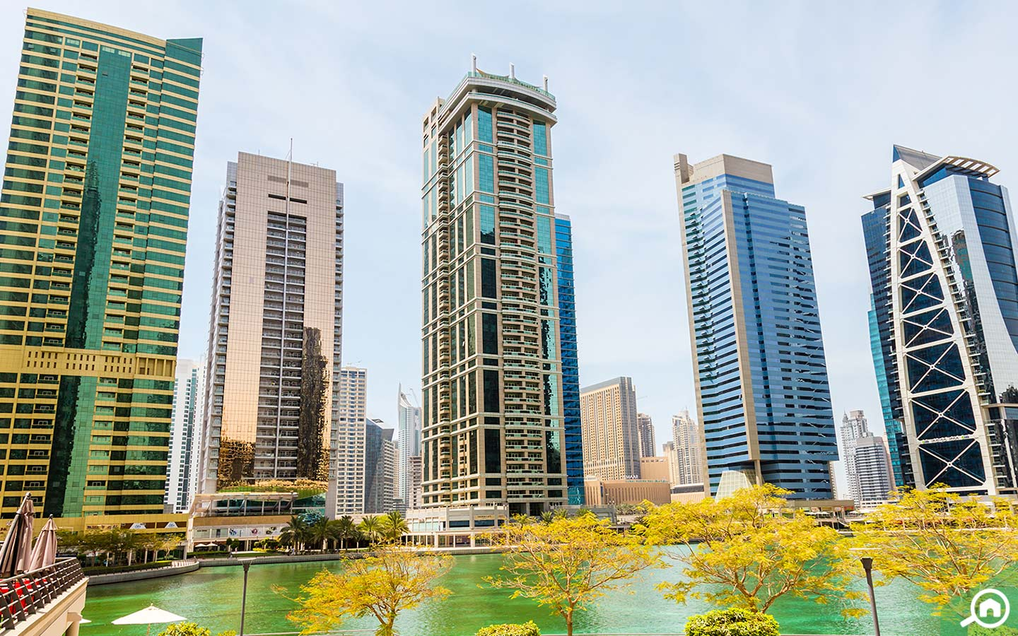 View of the residential towers and lakes in Jumeirah Lakes Towers