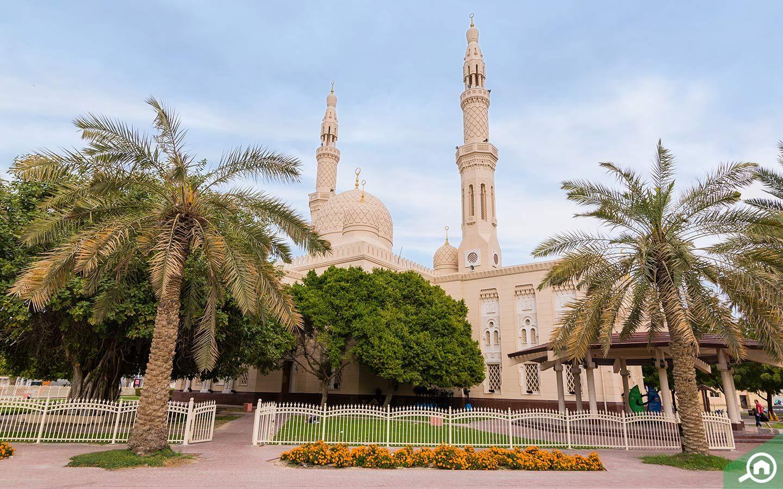 Full view of Jumeirah Mosque Dubai