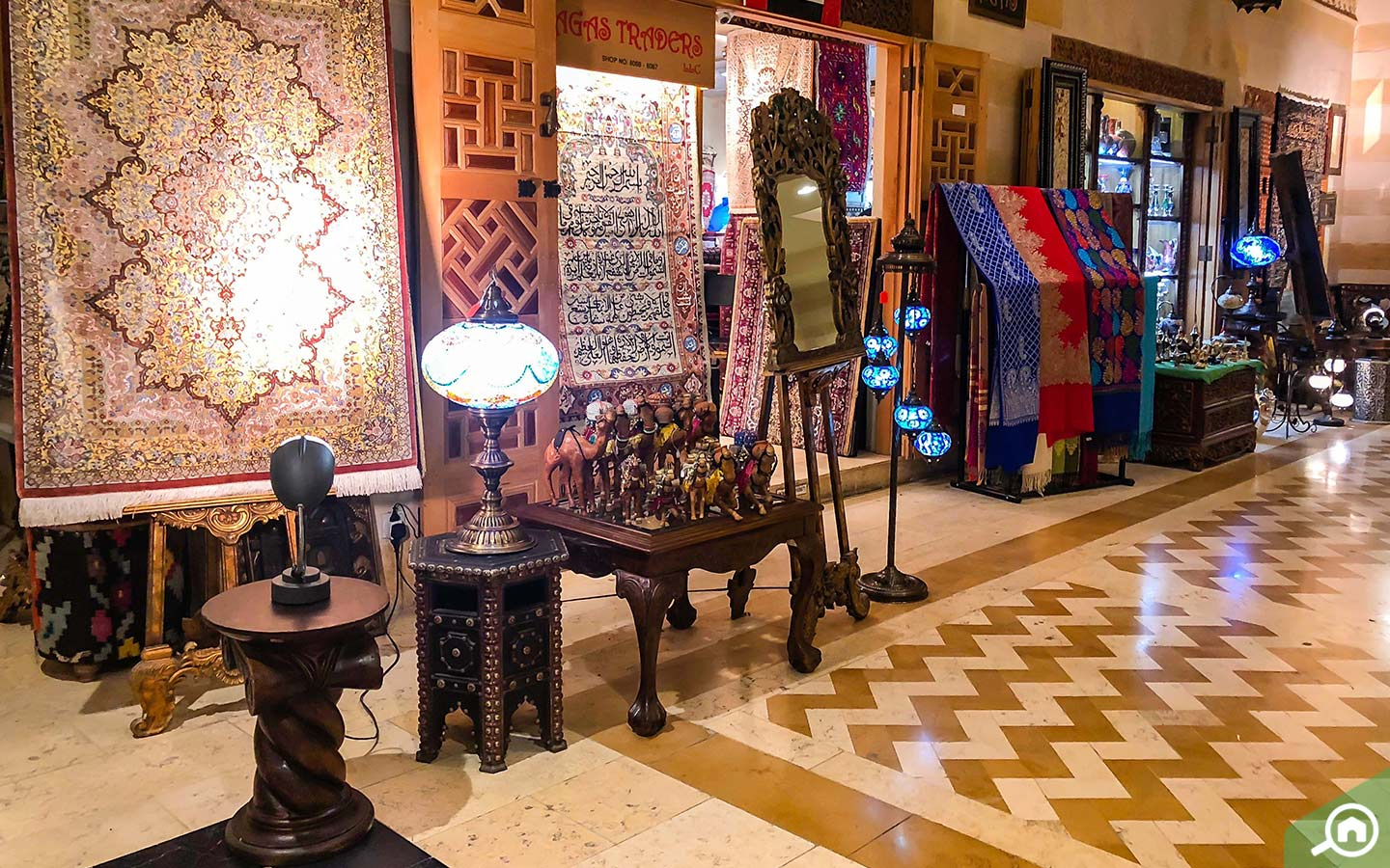 carpet store at khan murjan souk in dubai