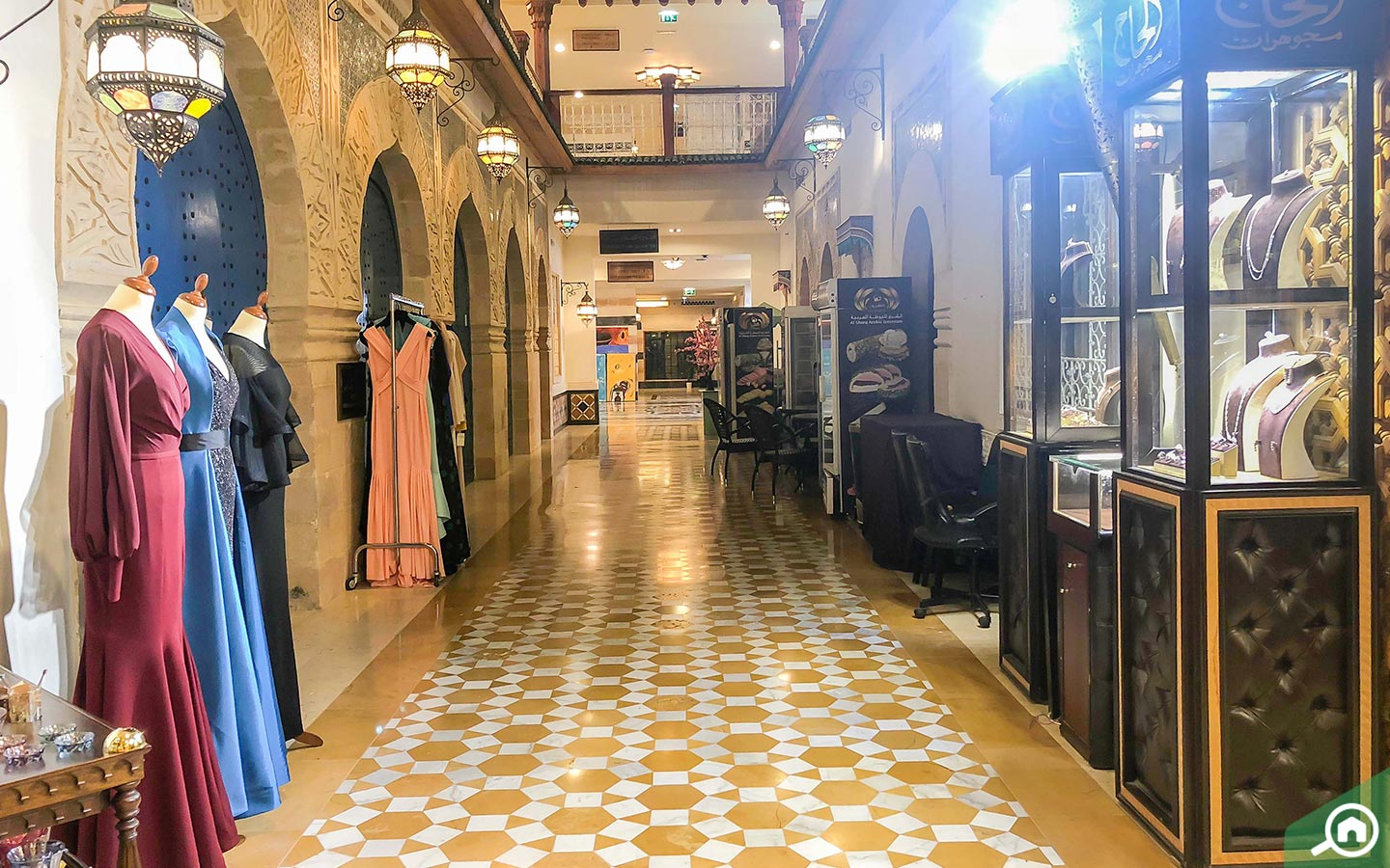 stores at khan murjan souk in dubai
