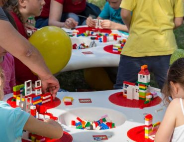 Kids playing lego at Lego Festival Dubai