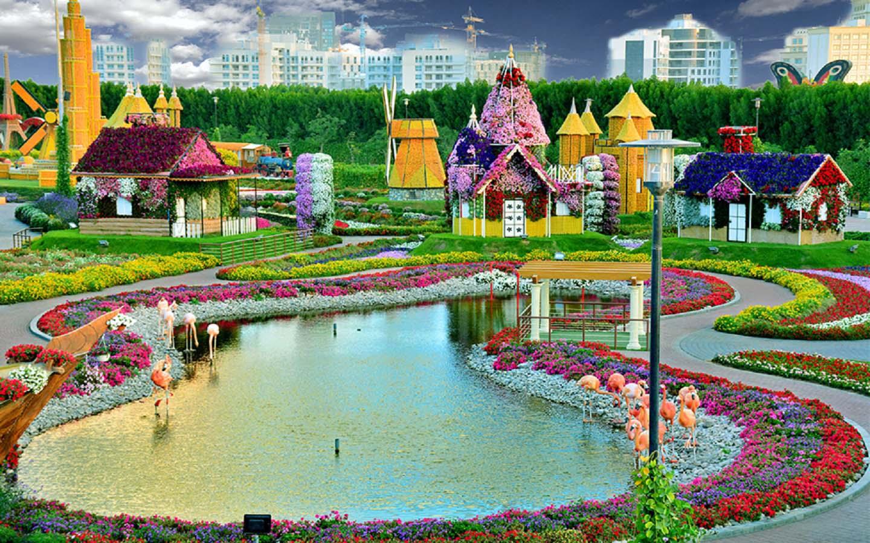 Lake Park at the Dubai Miracle Garden