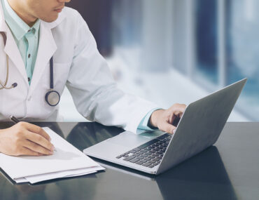 ترخيص مزاولة مهنة الطب في الامارات