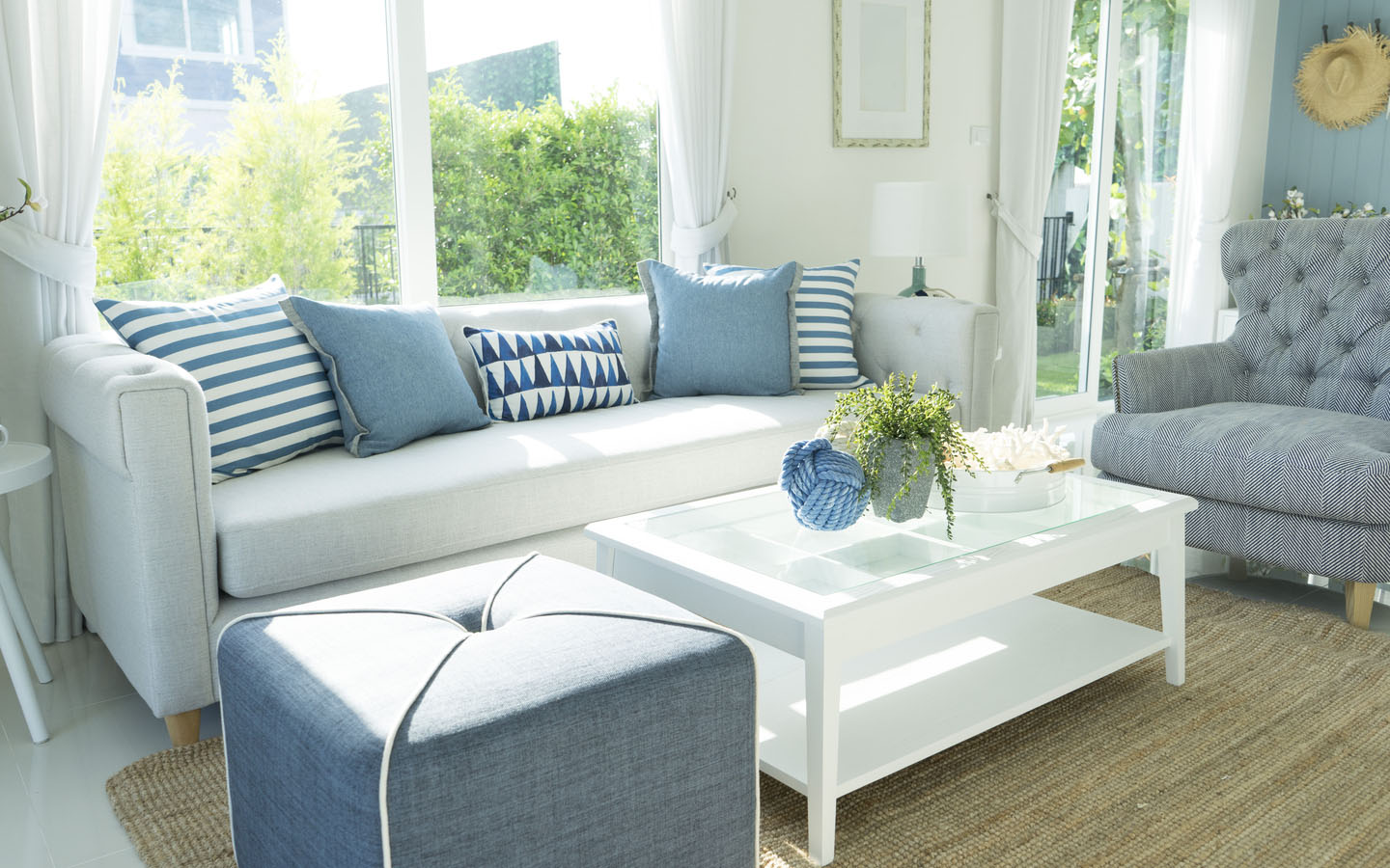 Sofa colors and sizes must always match that of the room