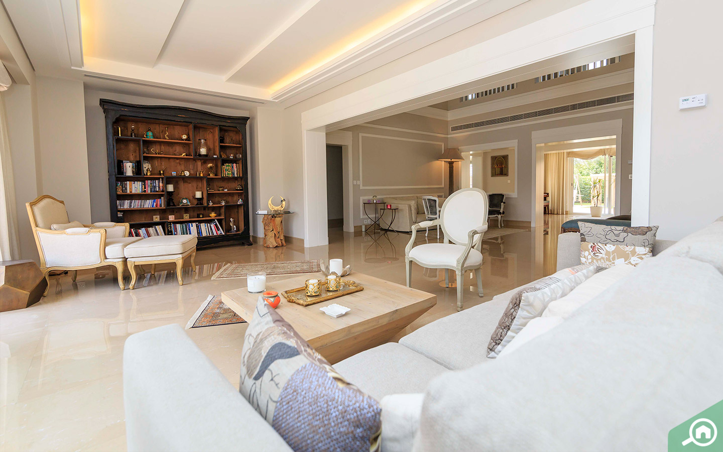 Lounge in the Arabian Ranches villa for sale