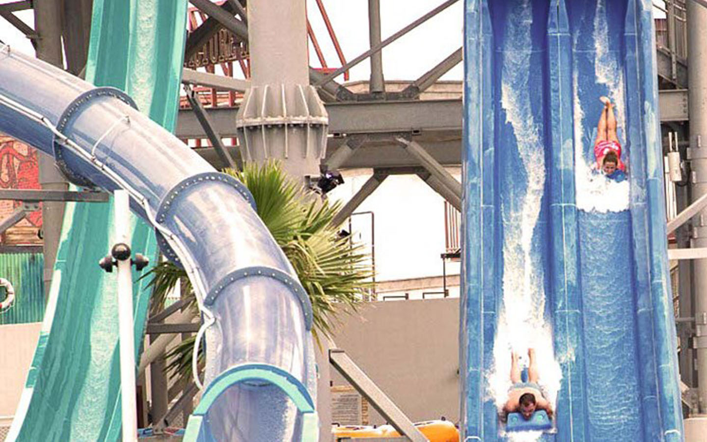 Mad racer, slide at Laguna Waterpark