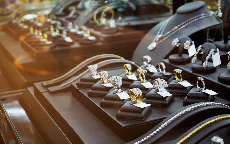 Best Indian Stores in Dubai: Kalyan Jewellers, Fabindia