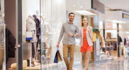 Couple shopping in a Dubai mall