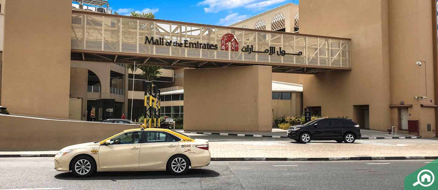 Entrance to head towards the shop in the Mall of the Emirates