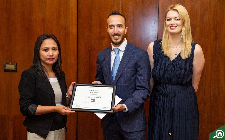 جائزة التنفيذي المثالي لشهر سبتمبر لشركة ال ال جي للعقارات