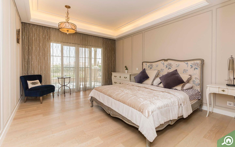 Master bedroom in Arabian Ranches