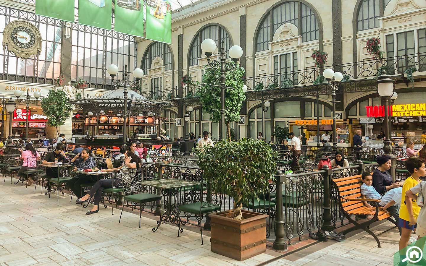 Cafes and restaurants at Mercato