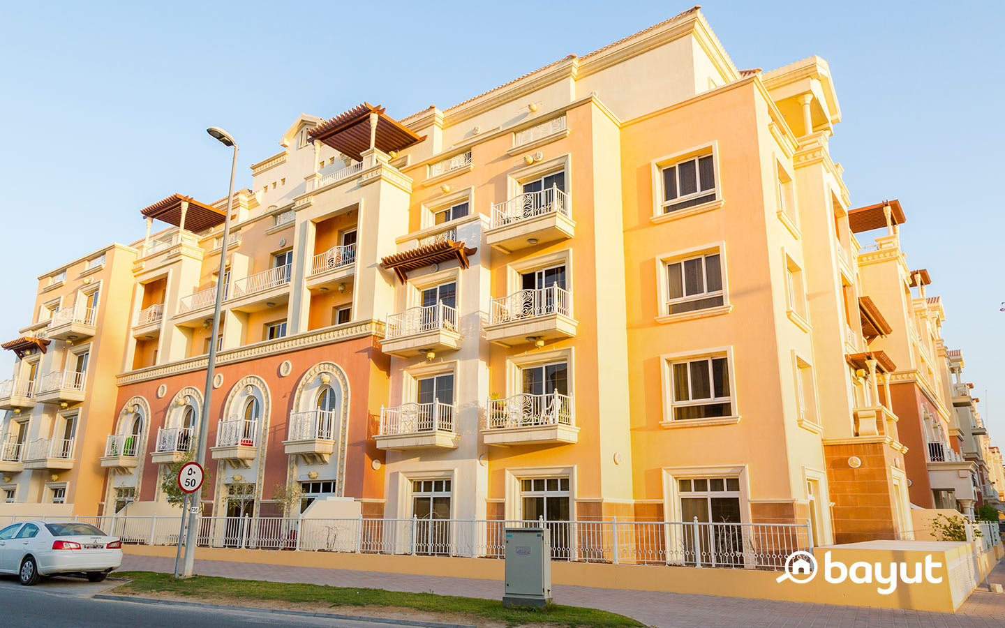 There are different types of villas, townhouses and apartments for rent in JVC