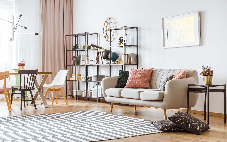 التنسيق بين الألوان في الغرفة الواحدة بطريقة متماثلة أو متباينة