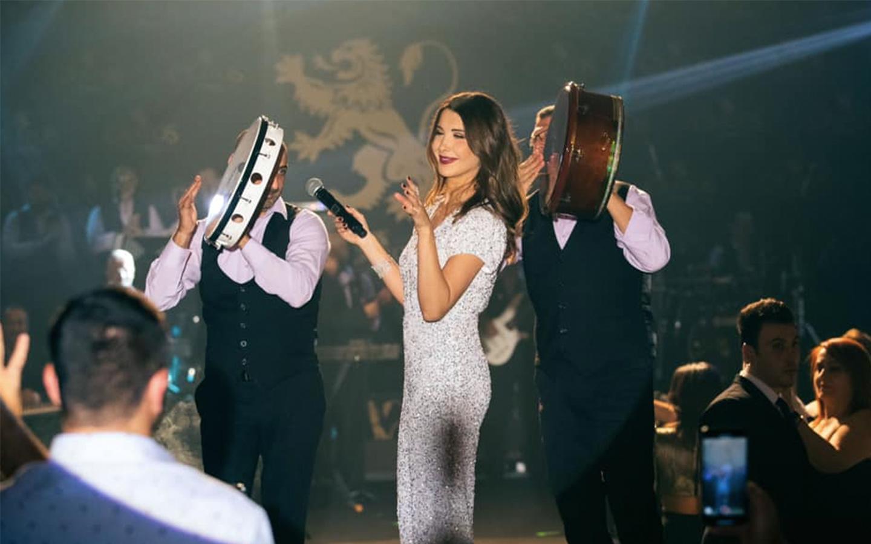 Nancy Ajram performing