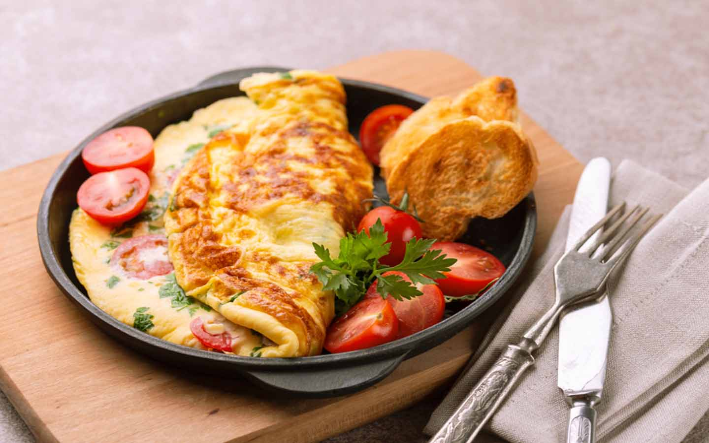 Omelette at the best breakfast places in Sharjah
