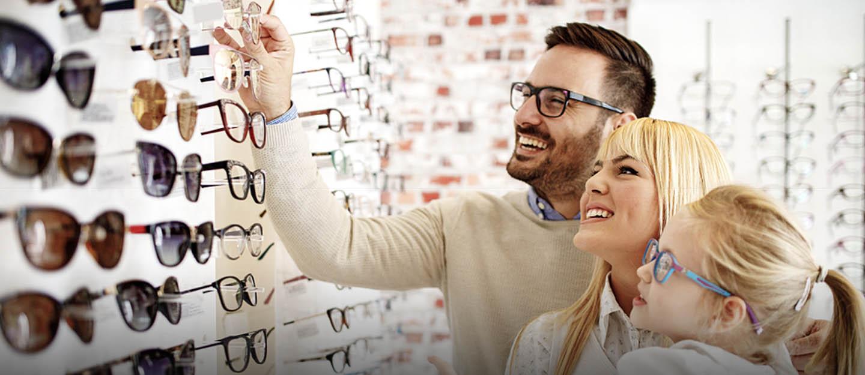 family buying sunglasses in Dubai