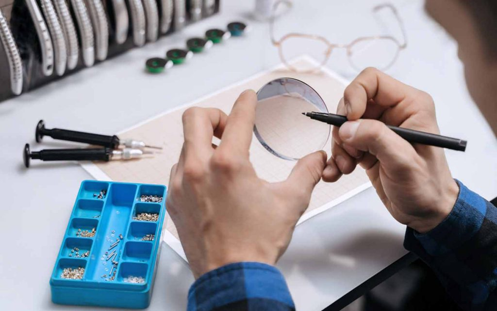 optic stores in Abu Dhabi also offer repairing services for glasses