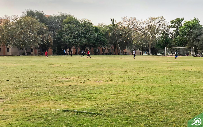مساحات خضراء مخصصة للعب الأطفال