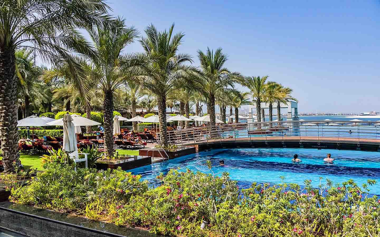 Jumeirah Zabeel Hotel swimming pool