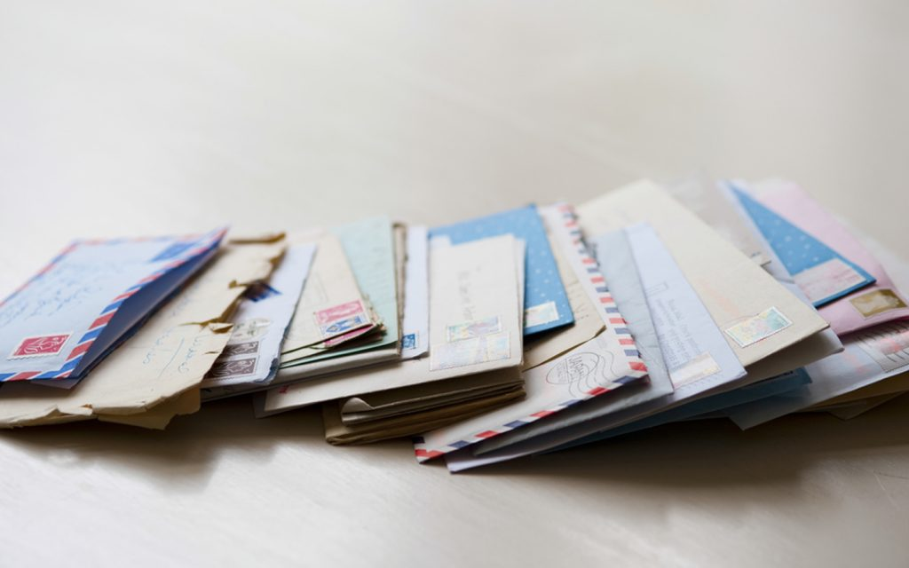 Mailing letters in Abu Dhabi