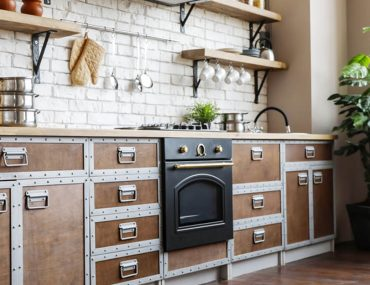 Pros and cons of using a gas or electric stove
