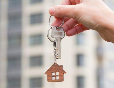 علاقة مفاتيح على شكل منزل
