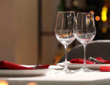 عشاء رومانسي لشخصين