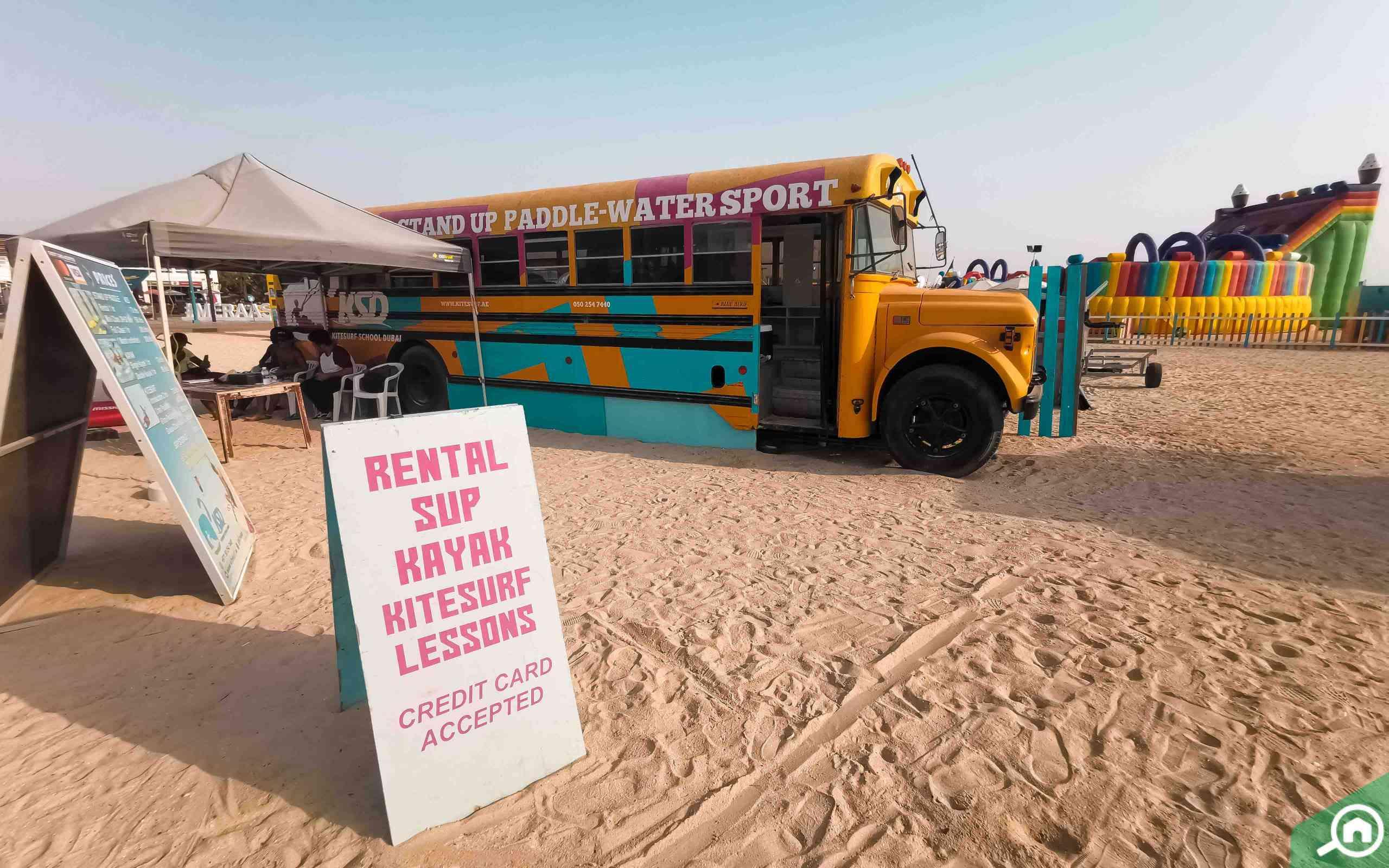 A Guide to Kite Beach Dubai: Water Activities, Restaurants, Timings