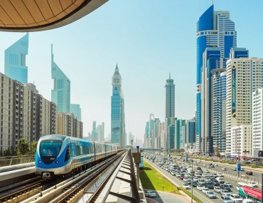 WHY IT'S A GOOD IDEA TO RENT IN SHEIKH ZAYED ROAD