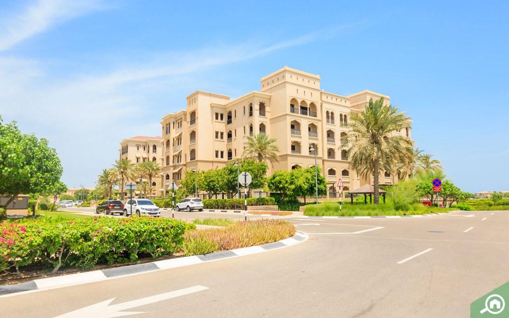 أبنية سكنية في جزيرة السعديات