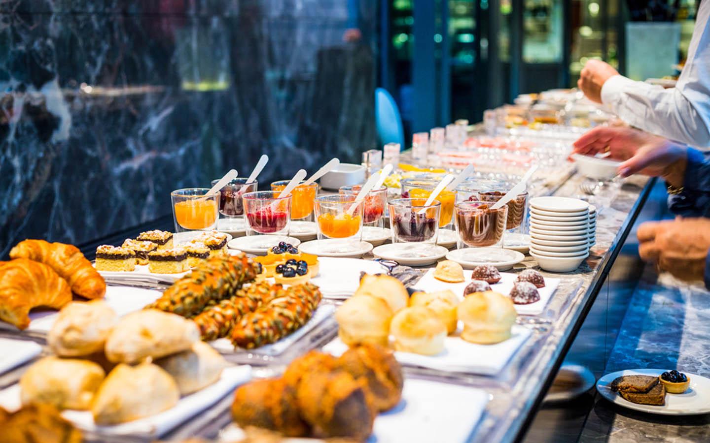 Saturday brunch in Abu Dhabi