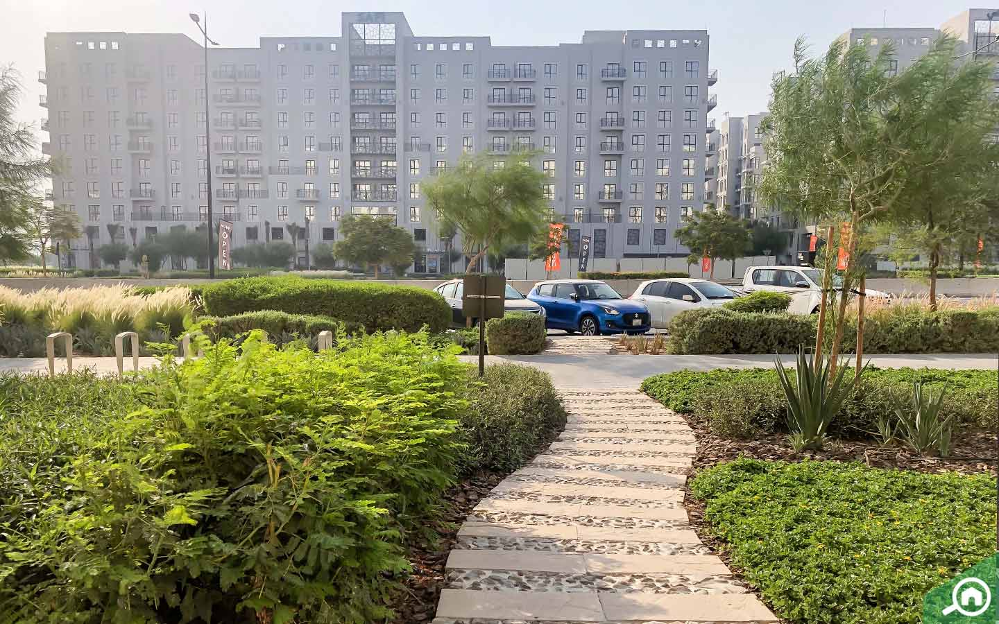 Shaded and well maintained walkways- Townhouses for rent in Town Square