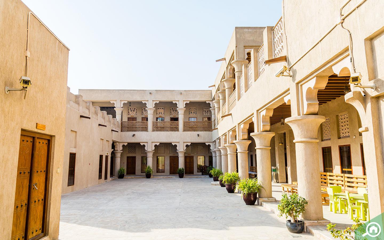 قصر تاريخي