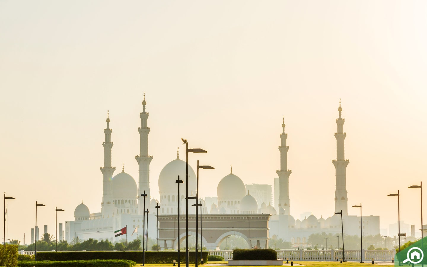 View of Sheikh Zayed Mosque, one of the popular places to visit in Abu Dhabi