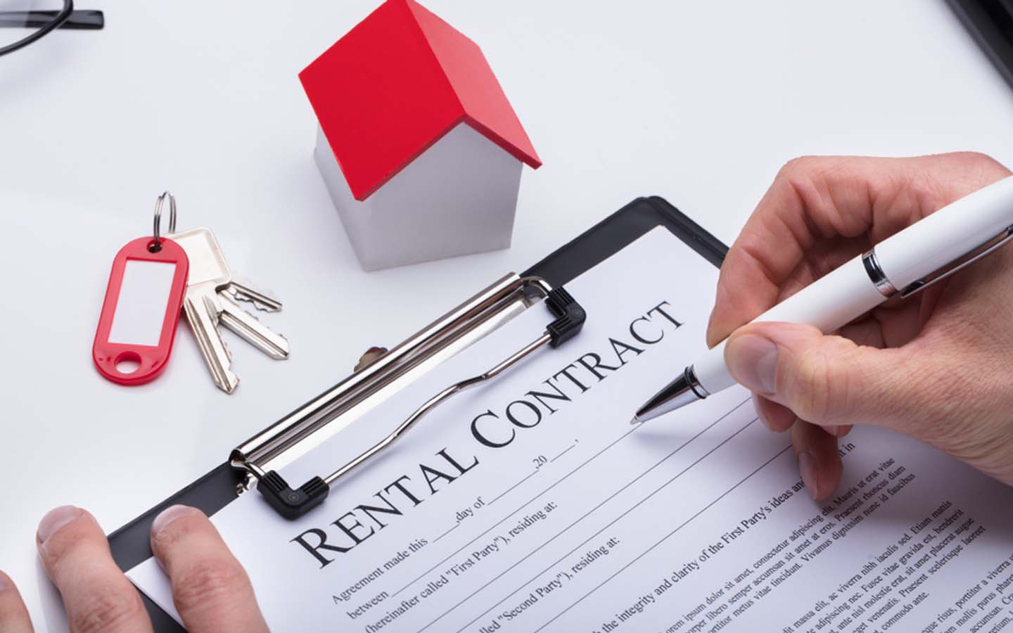 Signing rental contract